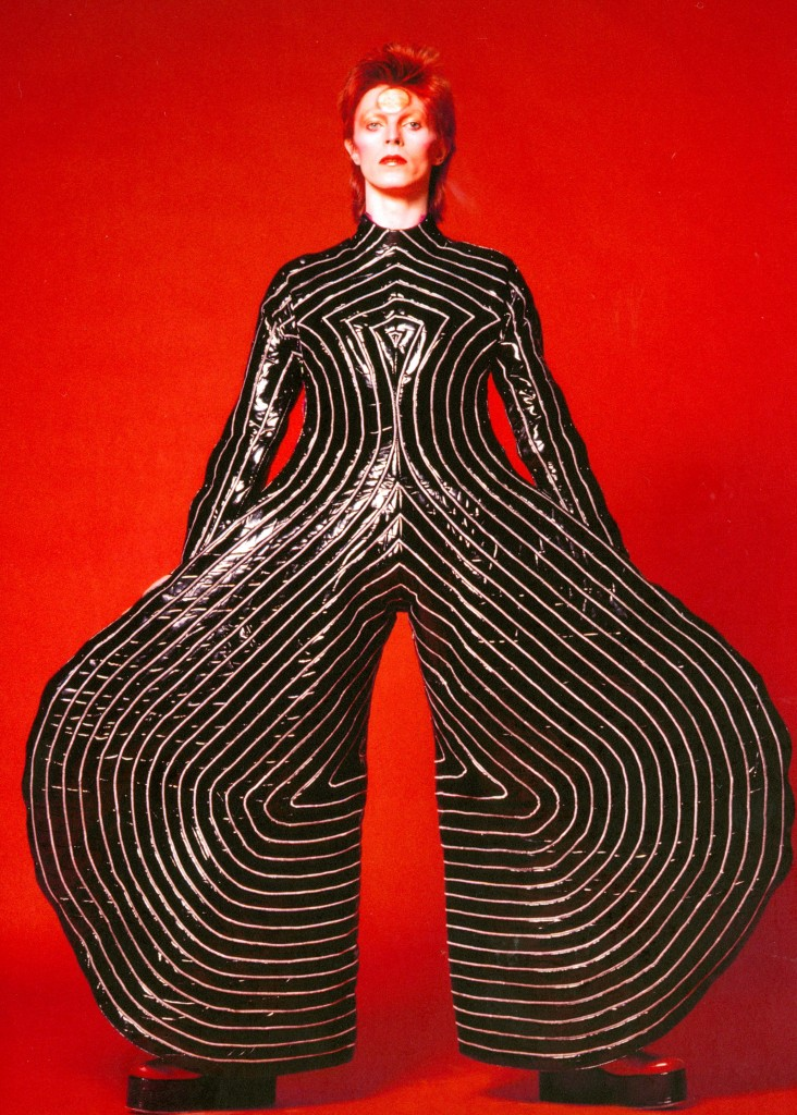 David bowie is me philarmonie de paris kansai yamamoto masayoshi sukita david bowie archive glam rock fashion expostition exhibition bowie crash magazine paris
