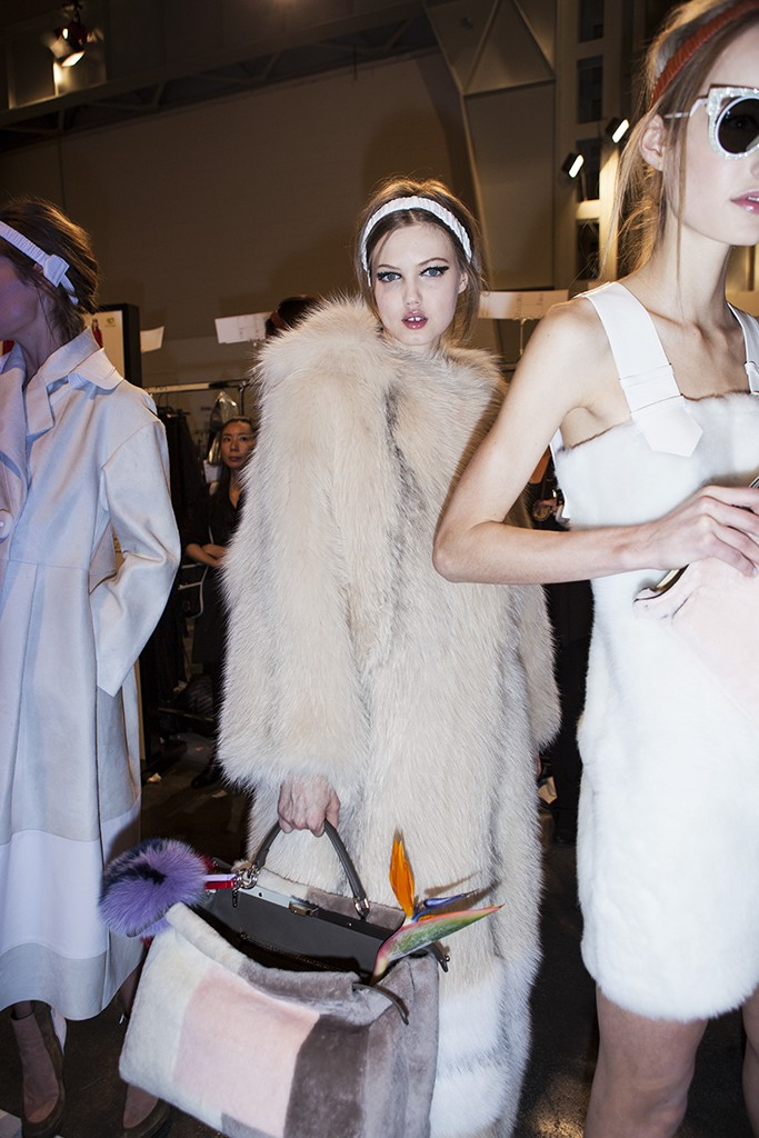 FENDI FALL-WINTER 2015 BACKSTAGE BEAUTY LINDSEY WIXSON