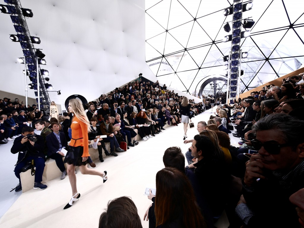 LOUIS VUITTON FALL-WINTER 2015 PARIS FASHION WEEK RUNWAY PICTURES CRASH MAGAZINE BY FRANK PERRIN