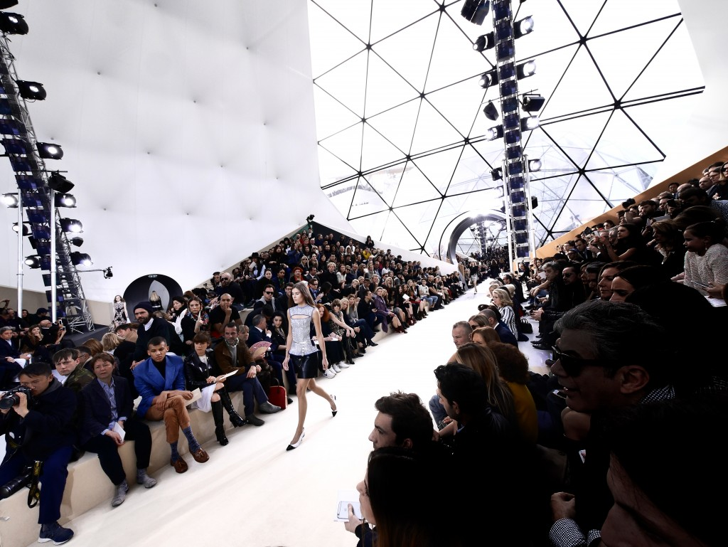 LV FALL-WINTER 2015 PARIS FASHION WEEK RUNWAY PICTURES CRASH MAGAZINE BY FRANK PERRIN