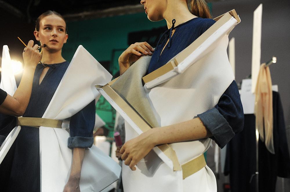 Viktor& Rolf Haute Couture FW15 backstage by Elise Toïdé_Crash Magazine