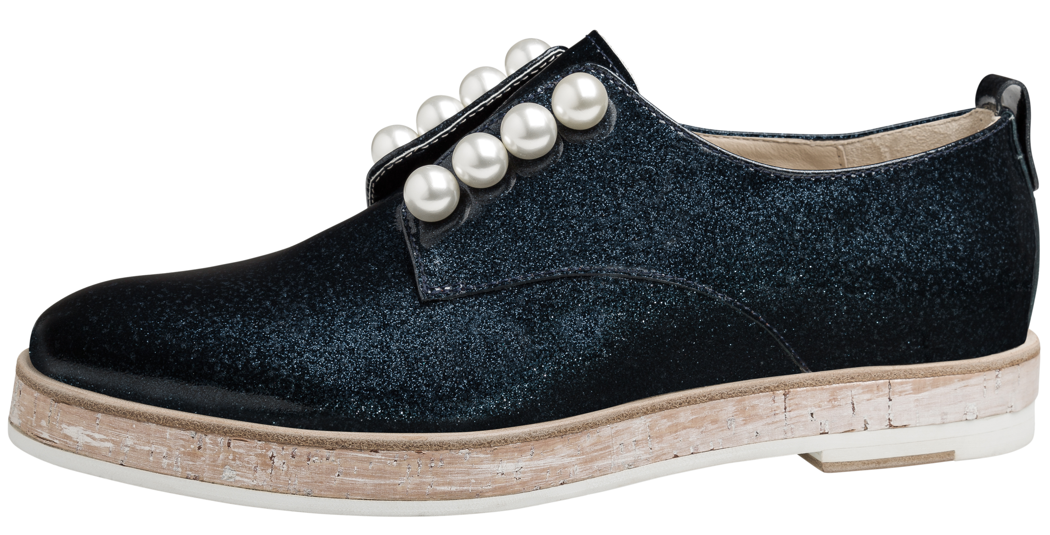 Girly Sneaker #agl #aglshoes #shoes #sneaker #girly #studs