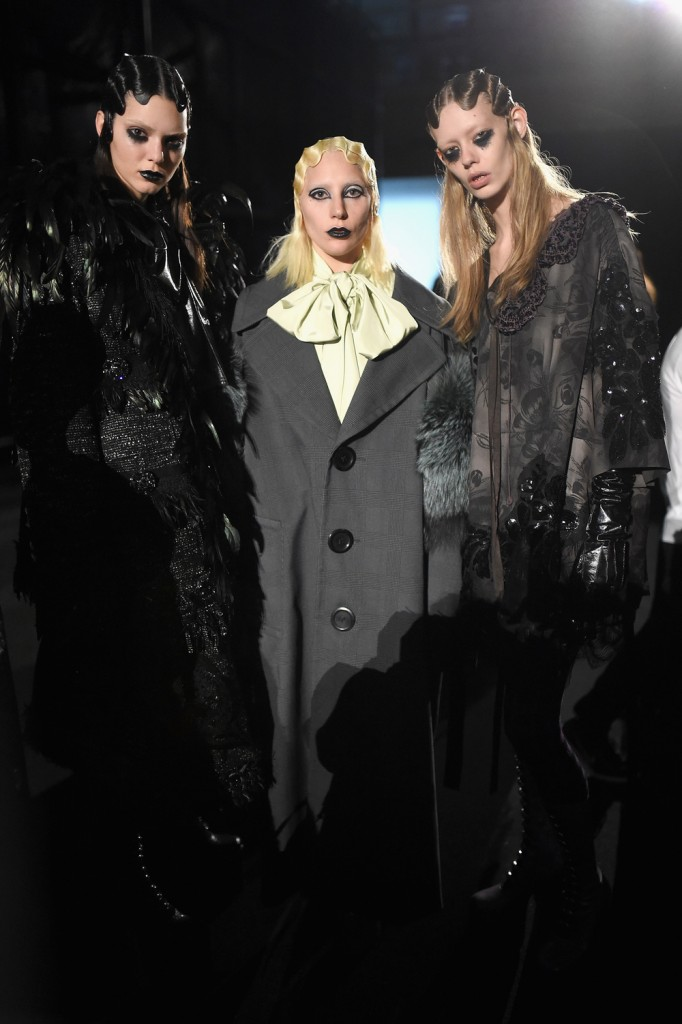 Marc Jacobs Fall Winter 2016 Show - Backstage Crash Magazine