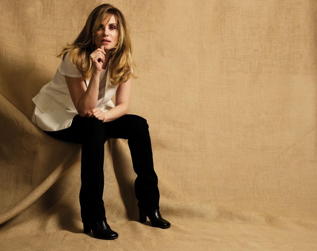 Emmanuelle Seigner crash magazine