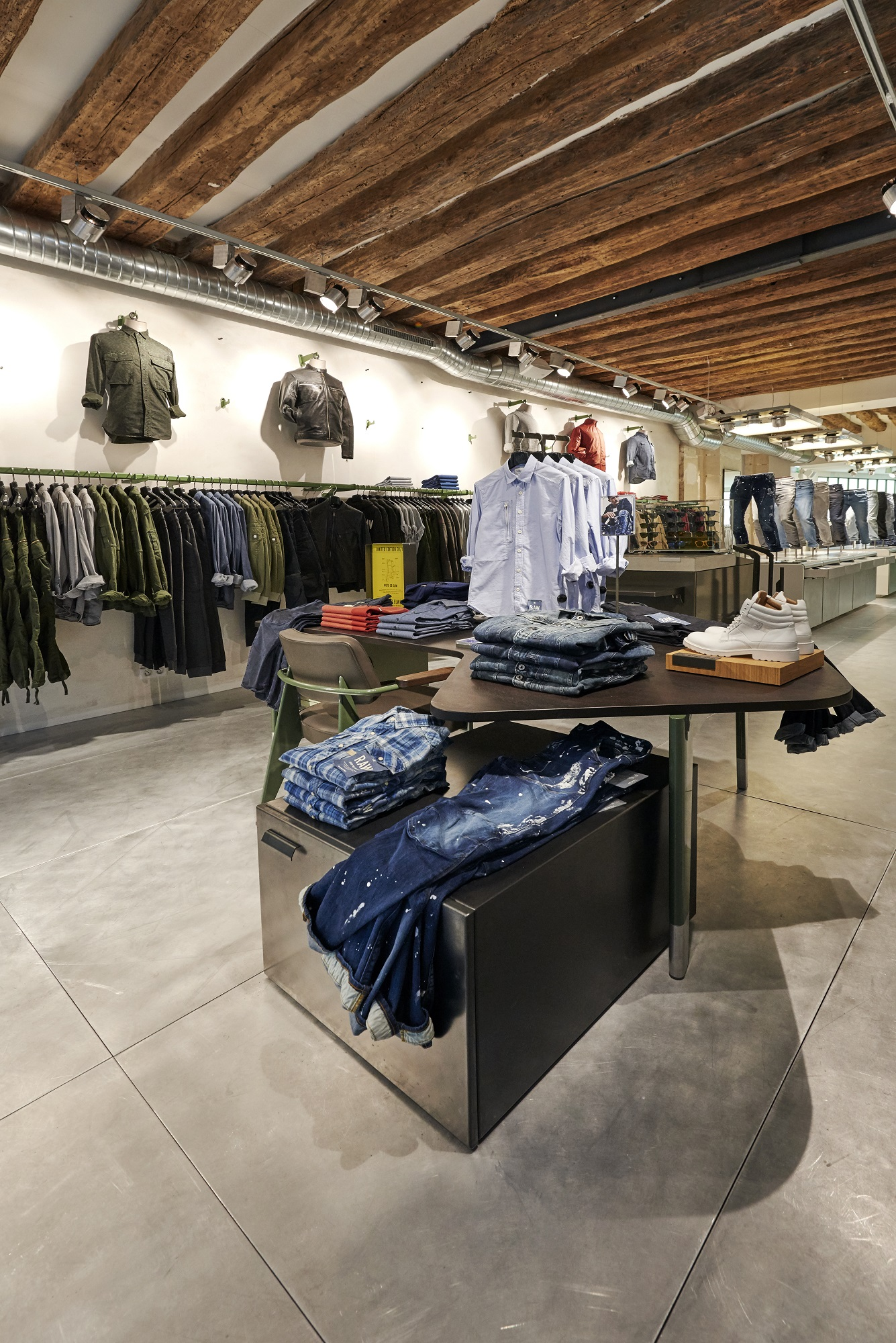 g-star raw opens a new boutique in paris bastille