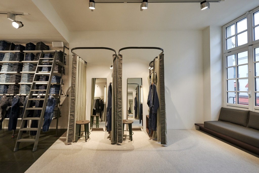G Star RAW opens a new boutique in Paris Bastille Crash
