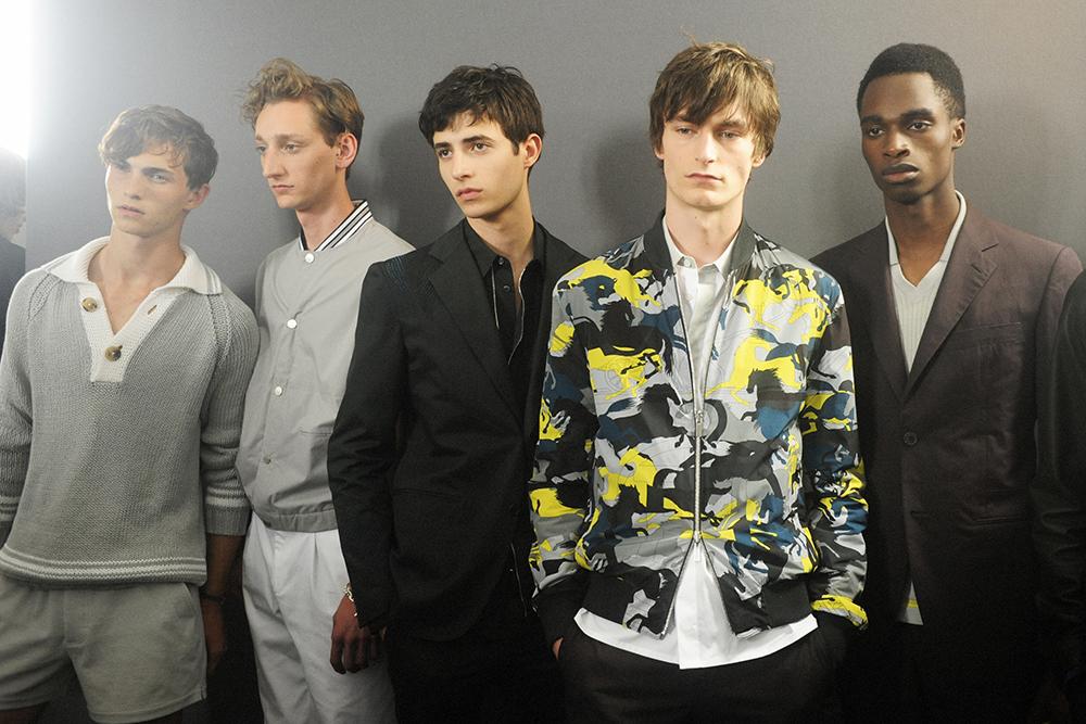 6978bbd4e8 ... Backstage Hermès Men's SS17 Paris Men Fashion Week Crash Magazine Elise  Toïdé ...