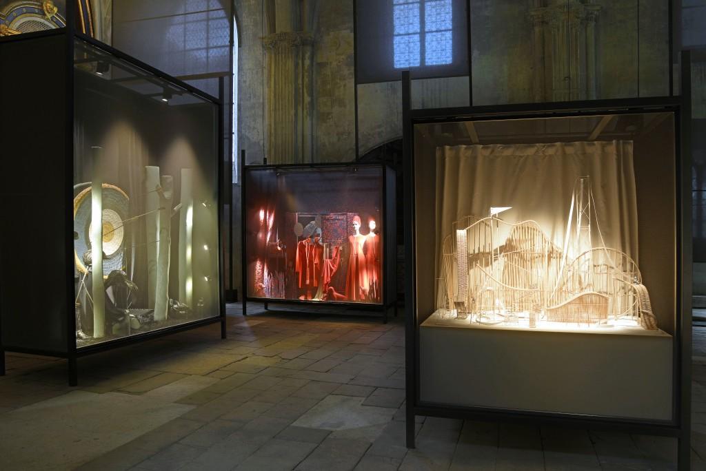 Antoine platteau x herm s exhibition in poitiers crash magazine - Maison de la bibliotheque ...