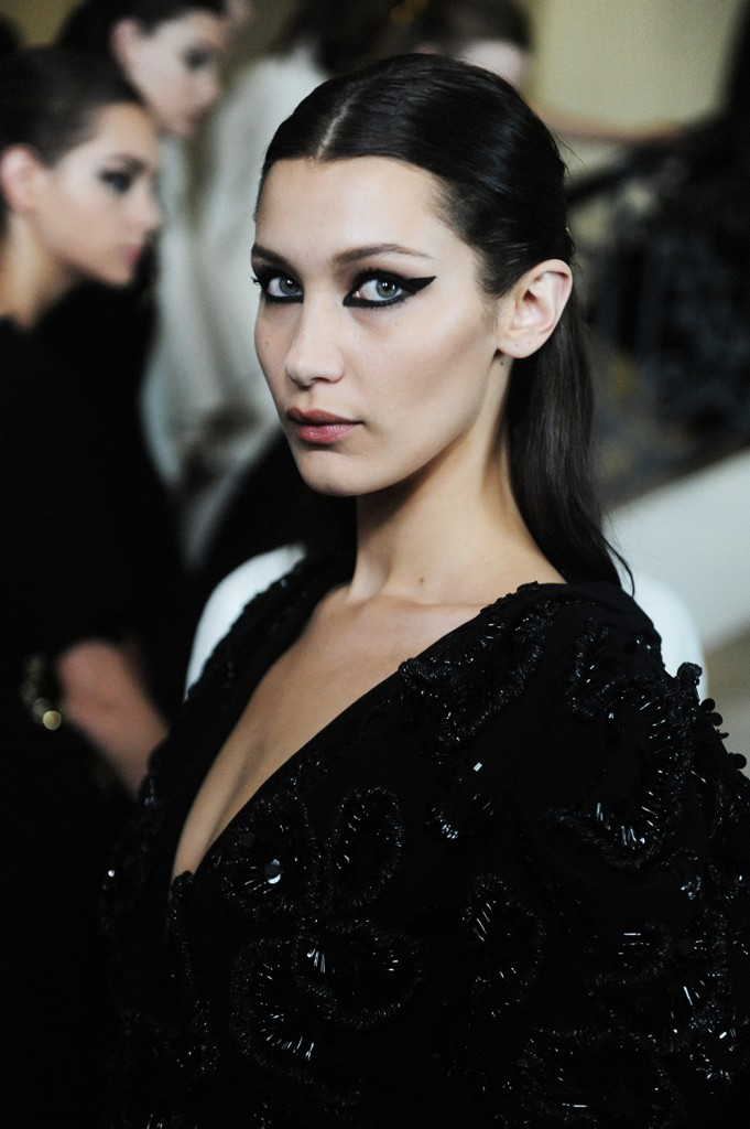 Bella Hadid Backstage Christian Dior FW16 Paris Haute Couture Week Crash Magazine Elise Toïdé