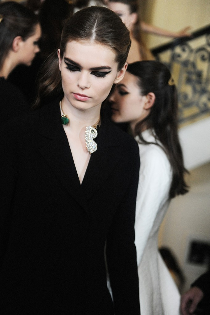 Lena Hardt Backstage Christian Dior FW16 Paris Haute Couture Week Crash Magazine Elise Toïdé