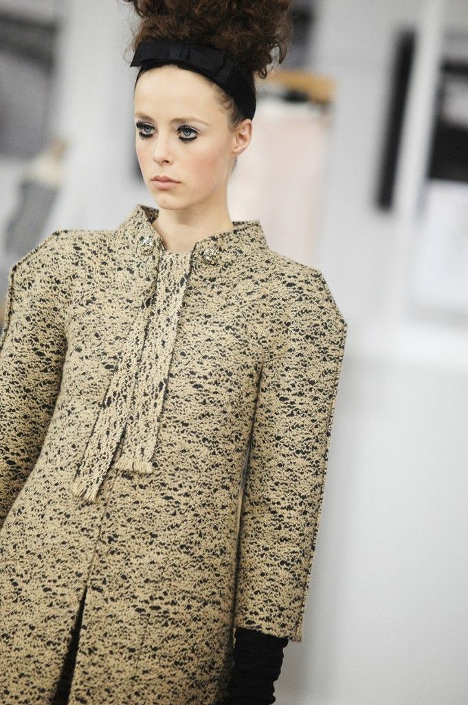 Edie Campbell Chanel Haute Couture Fall Winter 2016 Paris Fashion Week Crash Magazine Les Ateliers de Chanel Elise Toïdé