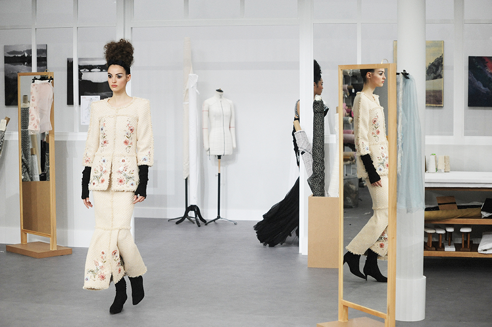Camille Hurel Chanel Haute Couture Fall Winter 2016 Paris Fashion Week Crash Magazine Les Ateliers de Chanel Elise Toïdé