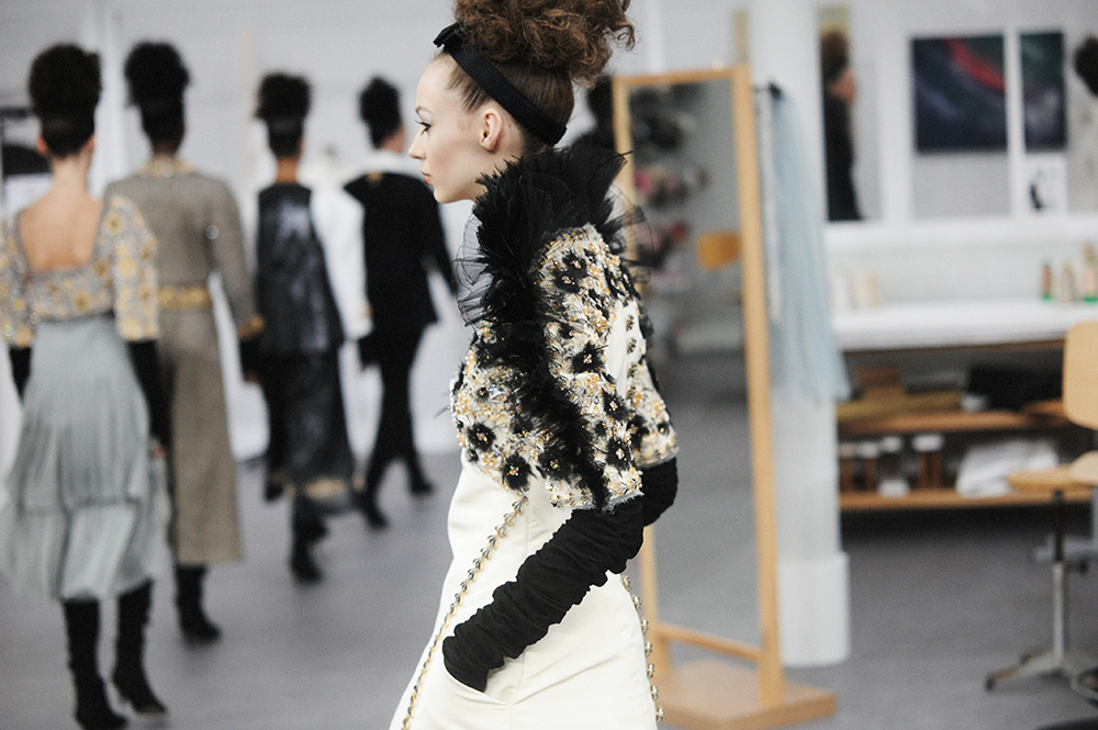 Chanel Haute Couture Fall Winter 2016 Paris Fashion Week Crash Magazine Les Ateliers de Chanel Elise Toïdé