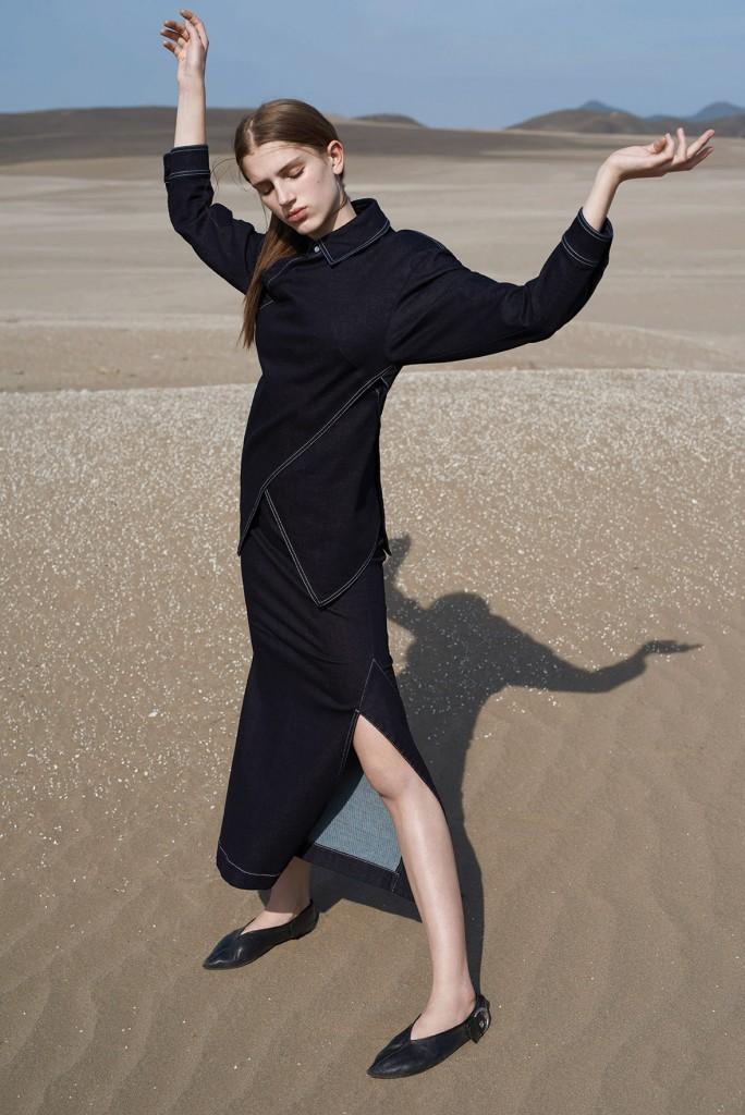 Desert Strom Crash Magazine fashion story by Alexander Neumann Sabina Lobova Girl on Fire