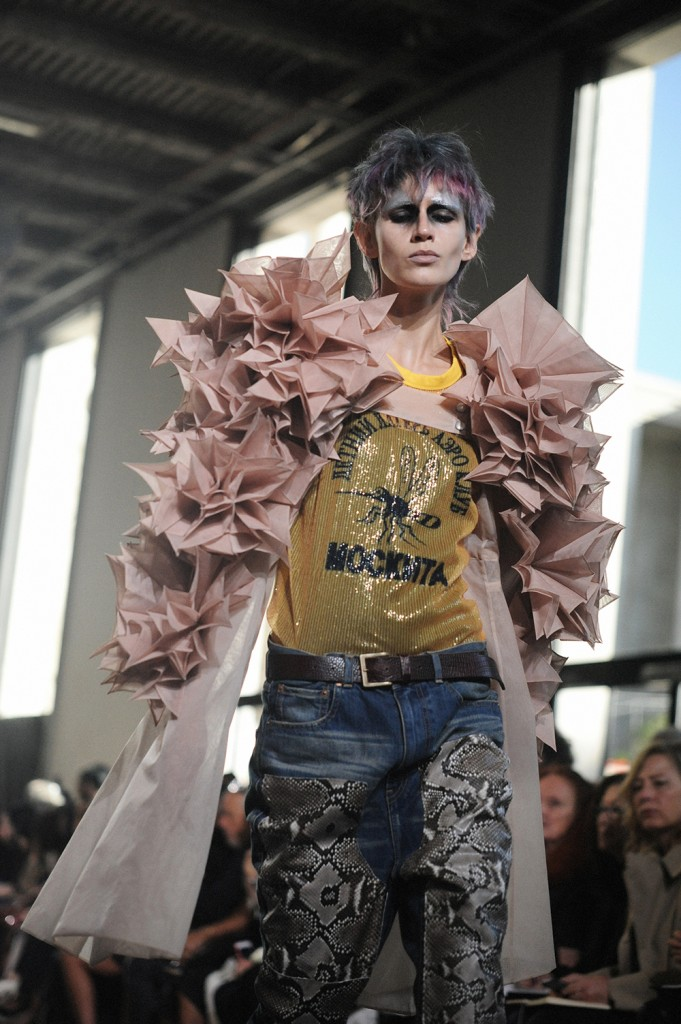 Junya Watanabe SS17 Paris Fashion Week Crash Magazine Elise Toïdé