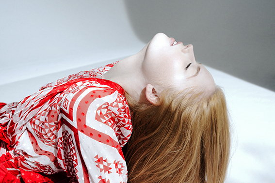 Meet The Newcomer : Ellie Bamber - Crash Magazine