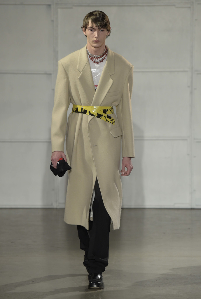 Raf Simons Fall Winter 2017/18 menswear collection - Crash Magazine