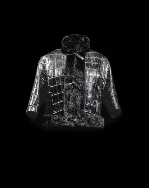 Veste Chicago en crocodile noir garnie de vison noir, Haute Couture Automne-Hiver 1960, collection Souplesse, légèreté, vie. Collection Dior Héritage, Paris. Photo © Laziz Hamani.