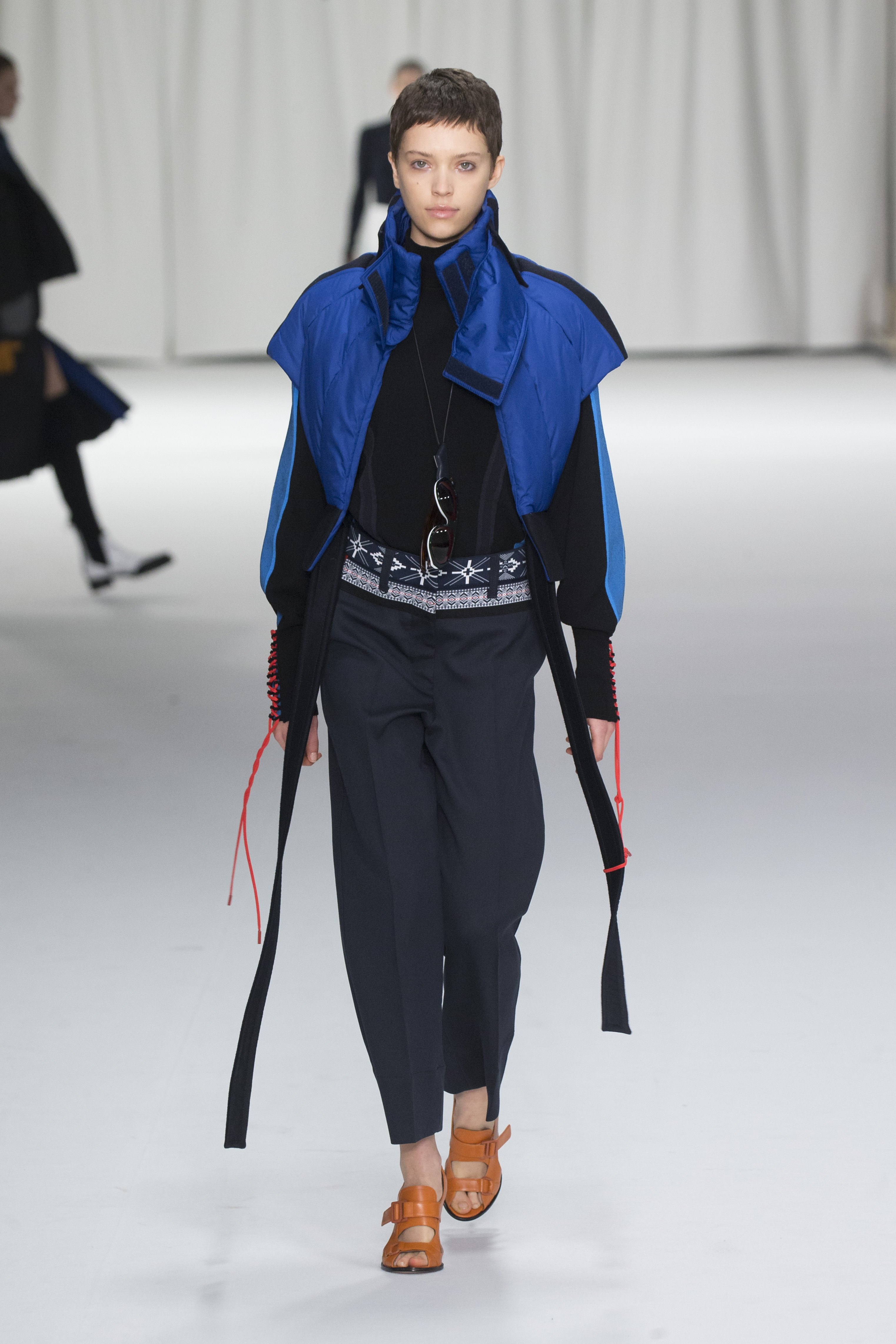 CLASSICS TEAMS UP WITH TECHNOLOGY AT SPORTMAX A/W 2018