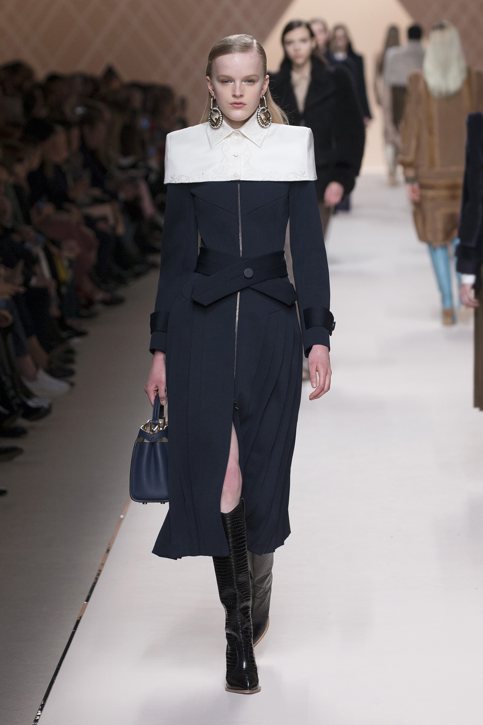 UPDATING POWER DRESSING AT FENDI A/W 2018