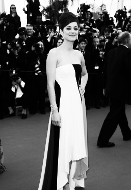 CANNES : SHARPEST LOOK OF THE DAY / MARION COTILLARD WEARING A DIOR DRESS
