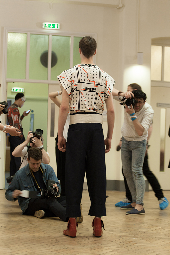 BACKSTAGE AT J.W. ANDERSON MENSWEAR SPRING-SUMMER 2016 LONDON