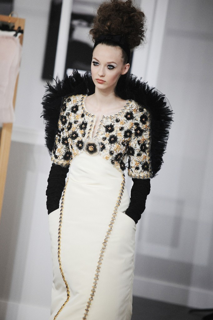 Chanel Haute Couture Fall-Winter 2016 Paris Fashion Week Crash Magazine Les Ateliers de Chanel Elise Toïdé