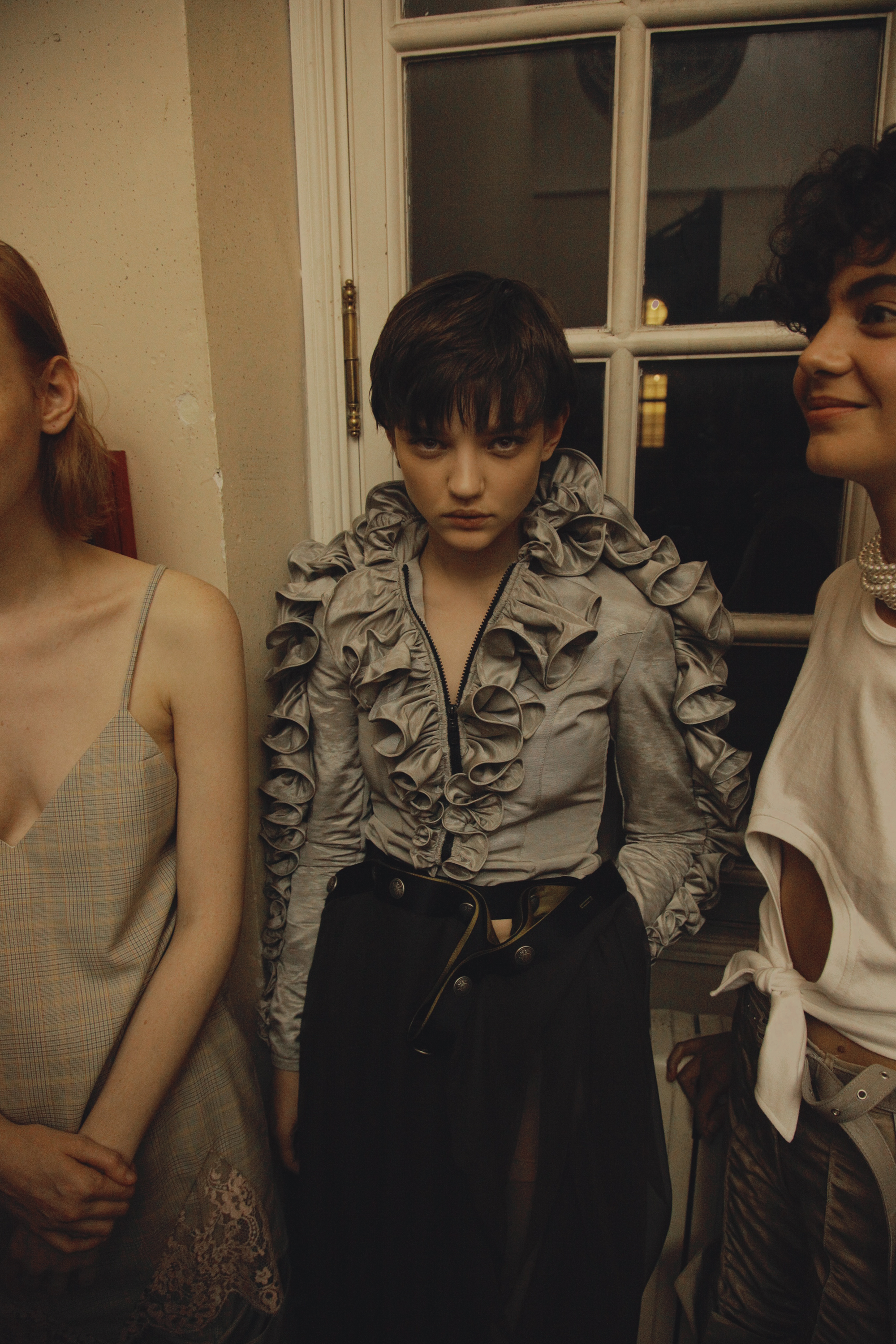 BACKSTAGE AT Y/PROJECT SPRING-SUMMER 2017 PARIS