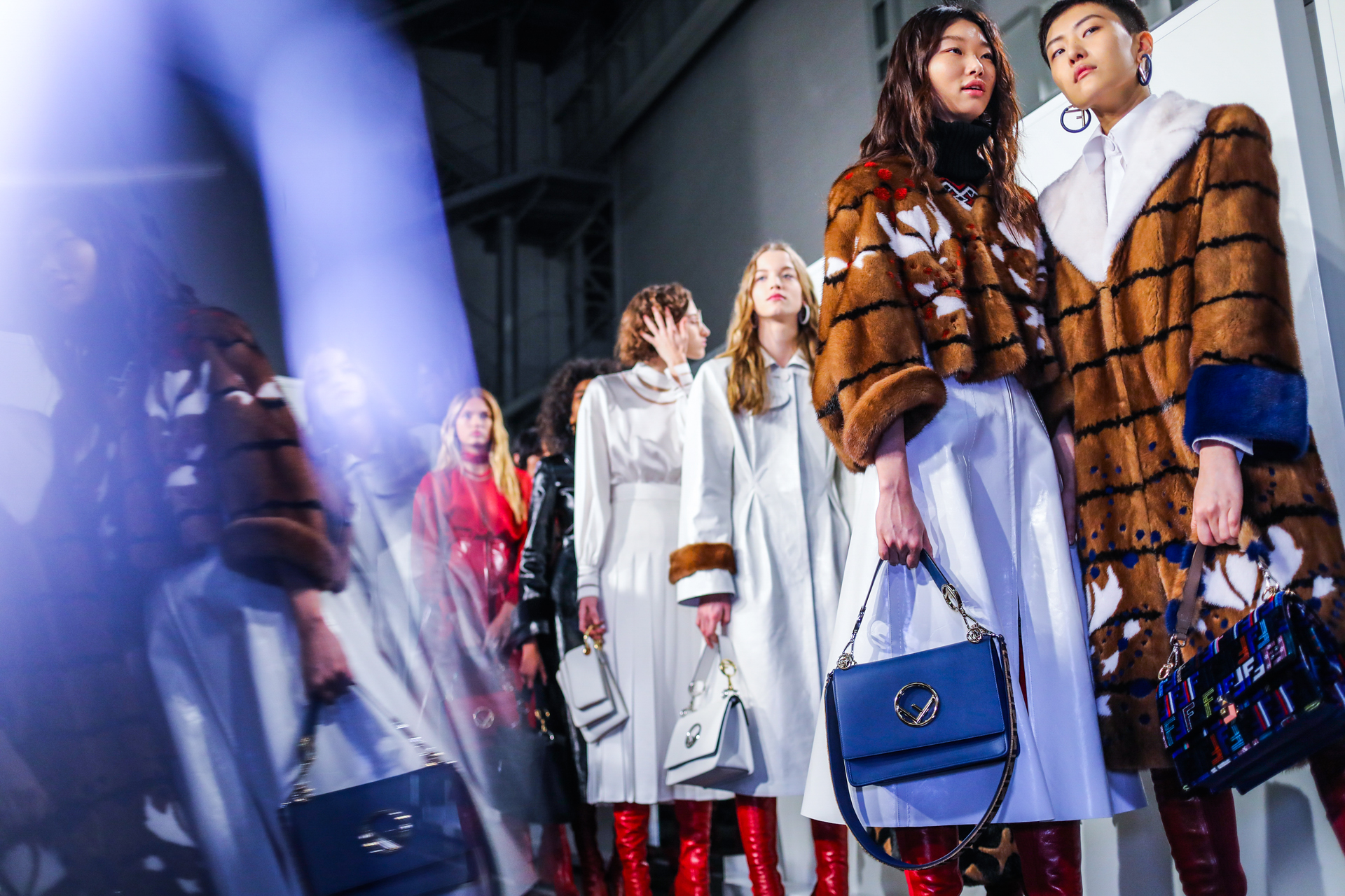BACKSTAGE FENDI FALL-WINTER 2017/18 COLLECTION – MILAN