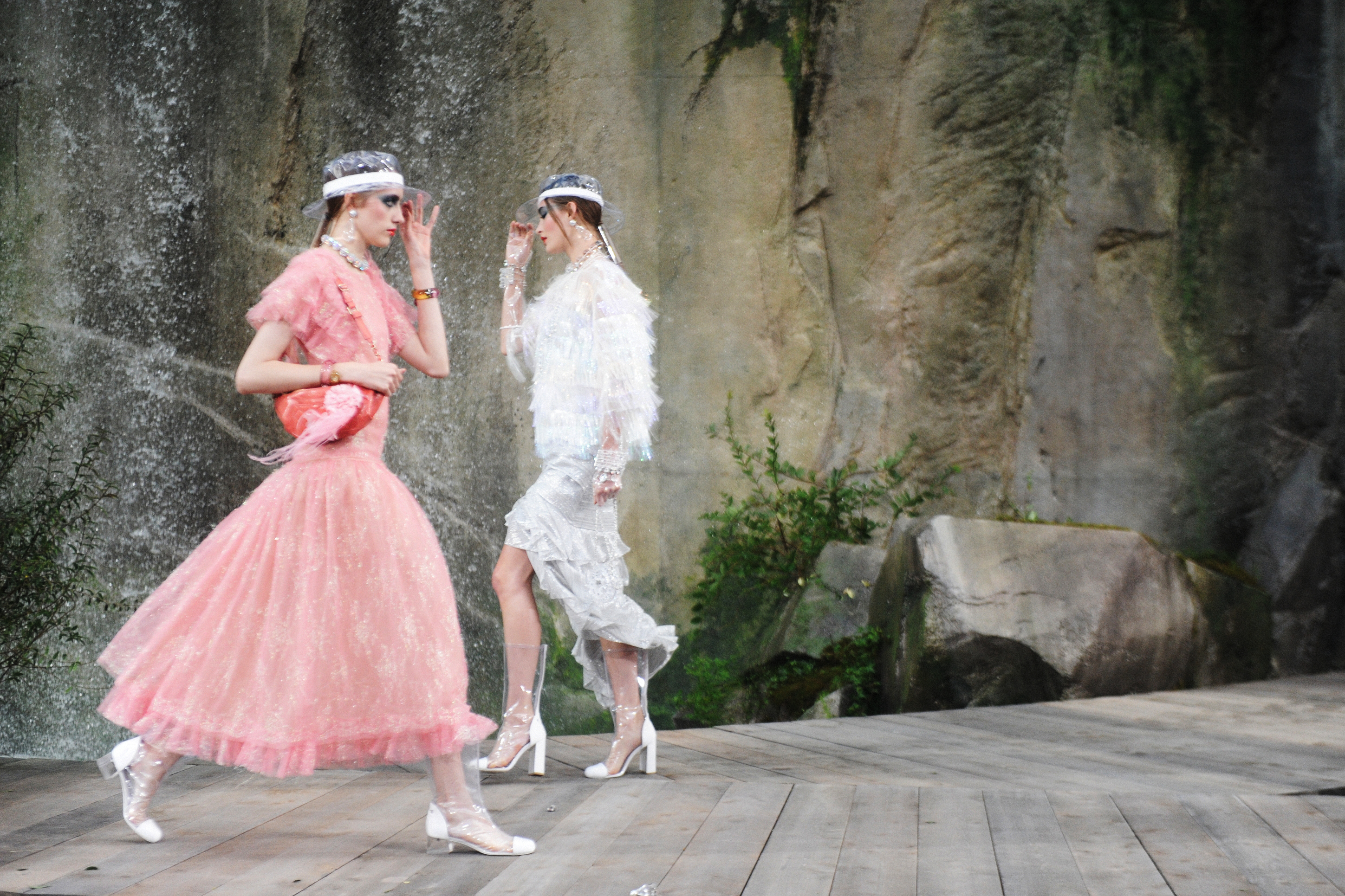 MAJESTIC WATERFALLS AT CHANEL SPRING/SUMMER 2018 SHOW