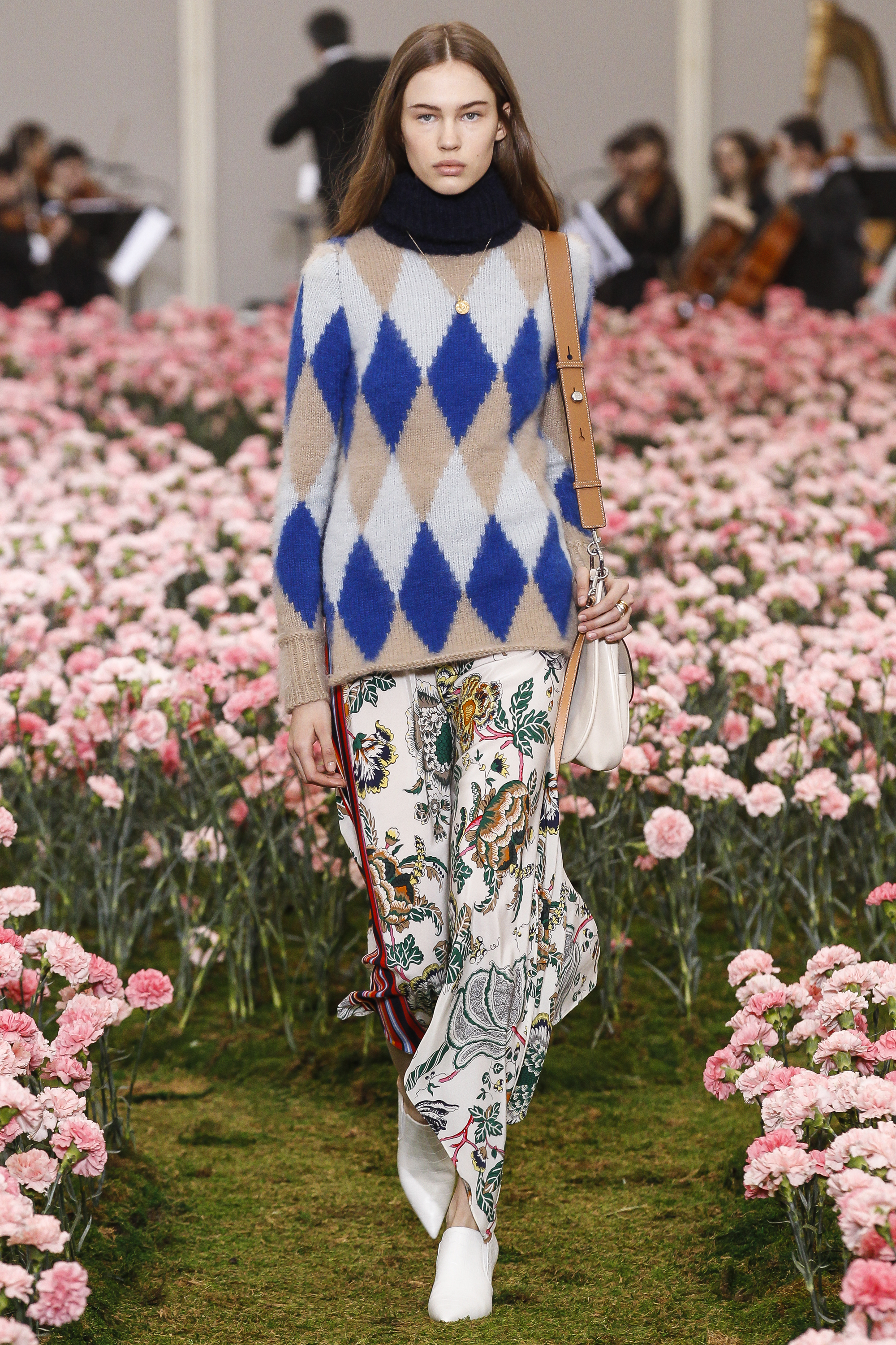 BLOOMING PALETTE AT TORY BURCH A/W 2018