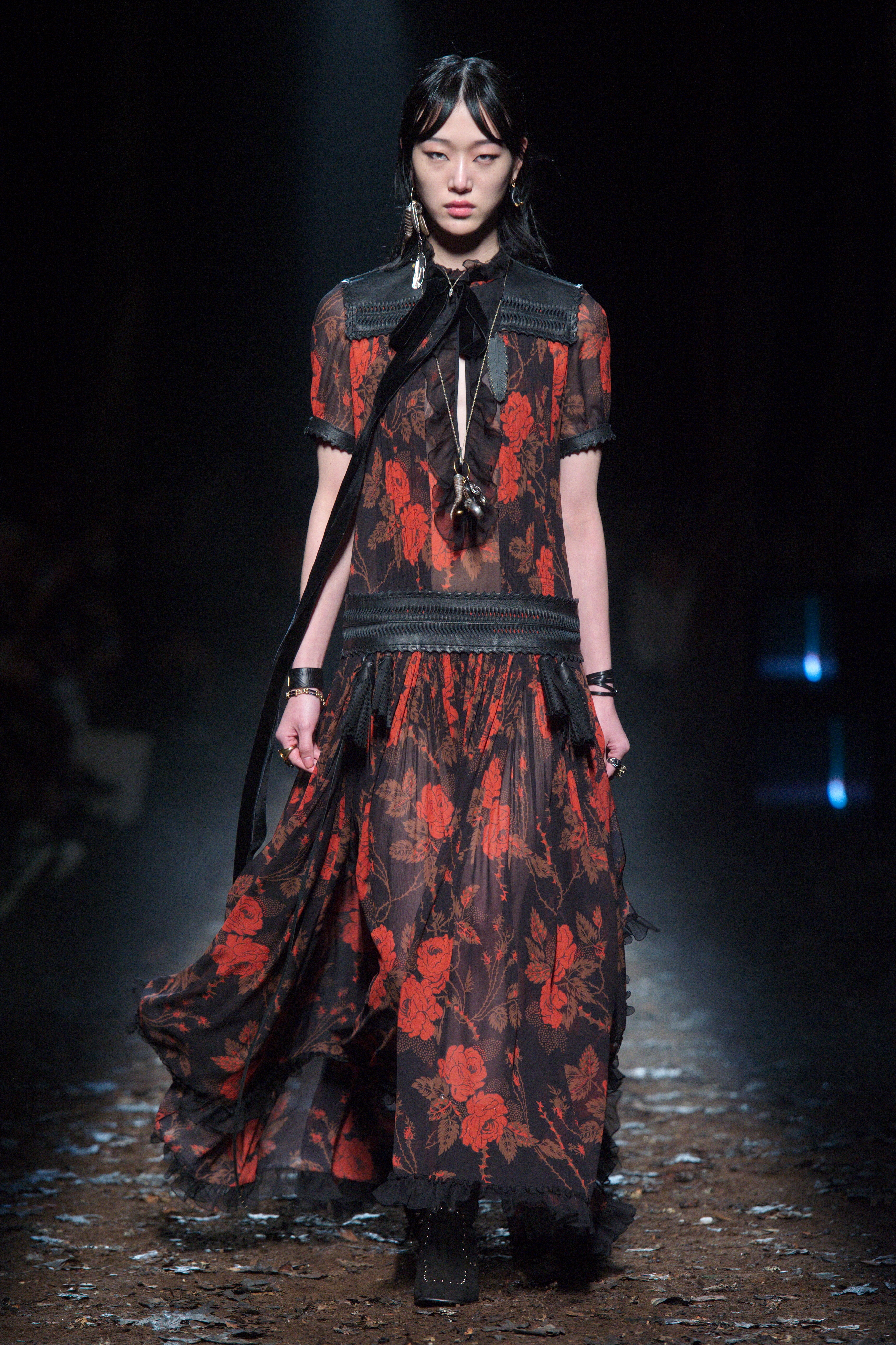 WESTERN GOTHIC SILHOUETTES AT COACH A/W 2018