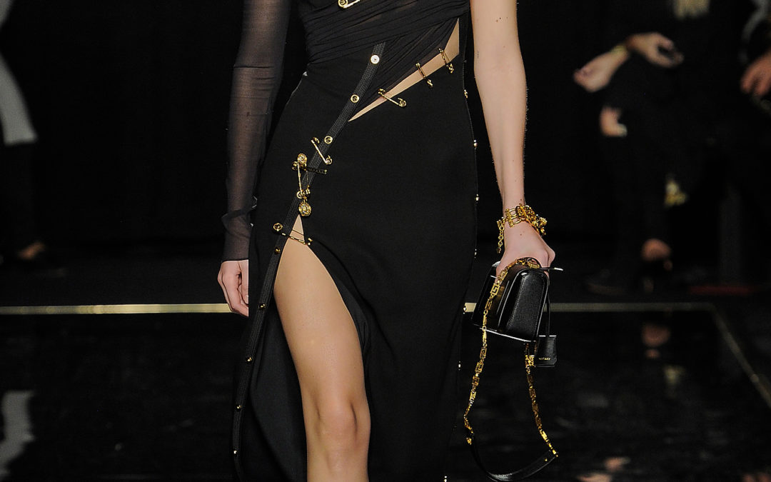 THE PAST REVISITED AT VERSACE PRE-FALL 2019