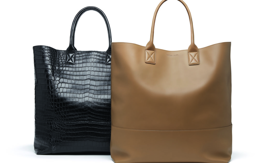 THE NEW FACE OF BOTTEGA VENETA REVEALS TWO FIRST BAGS