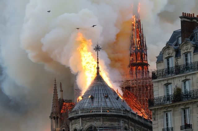 DONATE FOR THE RECONSTRUCTION OF NOTRE-DAME DE PARIS