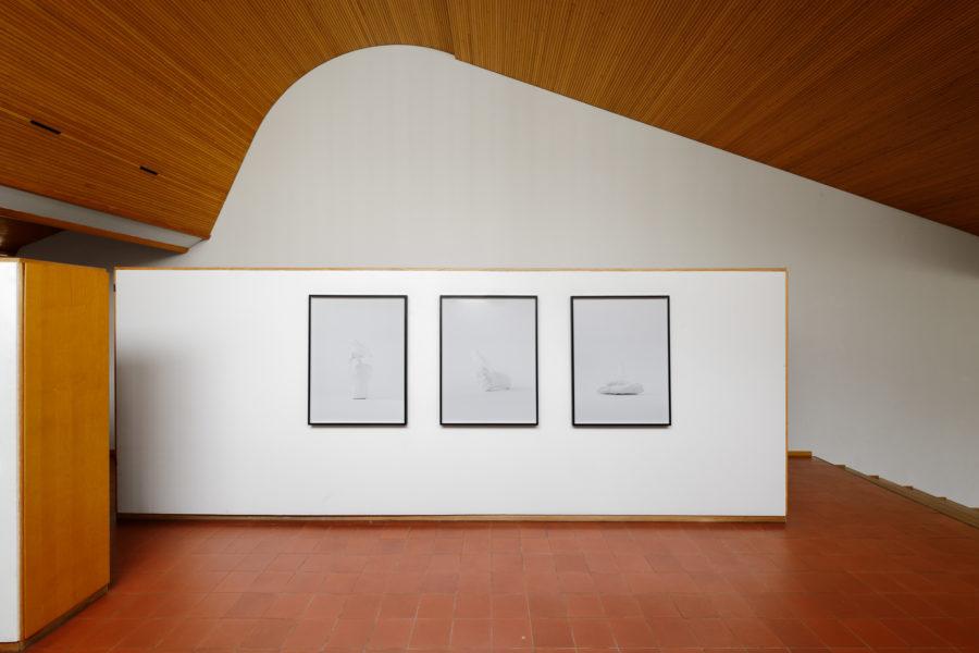 12_When our eyes touch_Vue sur l'exposition_2021_Photographie par Aurelien Mole_Maison Louis Carré