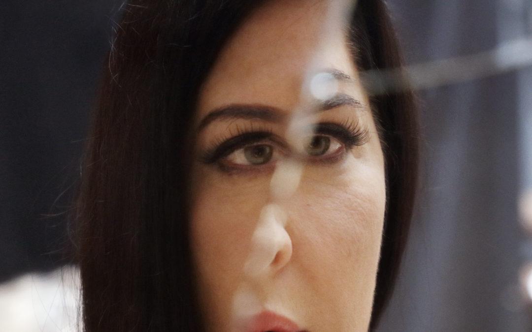 BURBERRY : RICCARDO TISCO DESIGNS COSTUMES FOR MARINA ABRAMOVIĆ